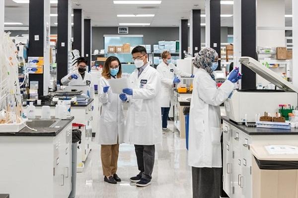 Vingroup nhận chuyển giao công nghệ sản xuất vaccine mRNA tại Việt Nam