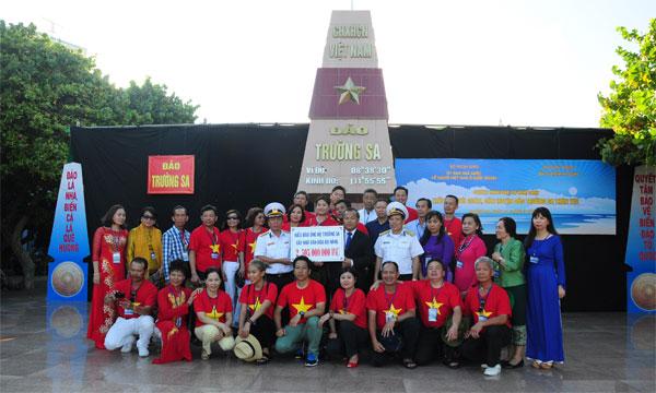 Kết luận số 12-KL/TW của Bộ chính trị về công tác người Việt Nam ở nước ngoài trong tình hình mới