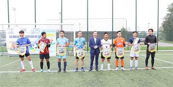 Sôi nổi giải bóng đá sinh viên Việt Nam tại Bỉ ủng hộ Quỹ vaccine