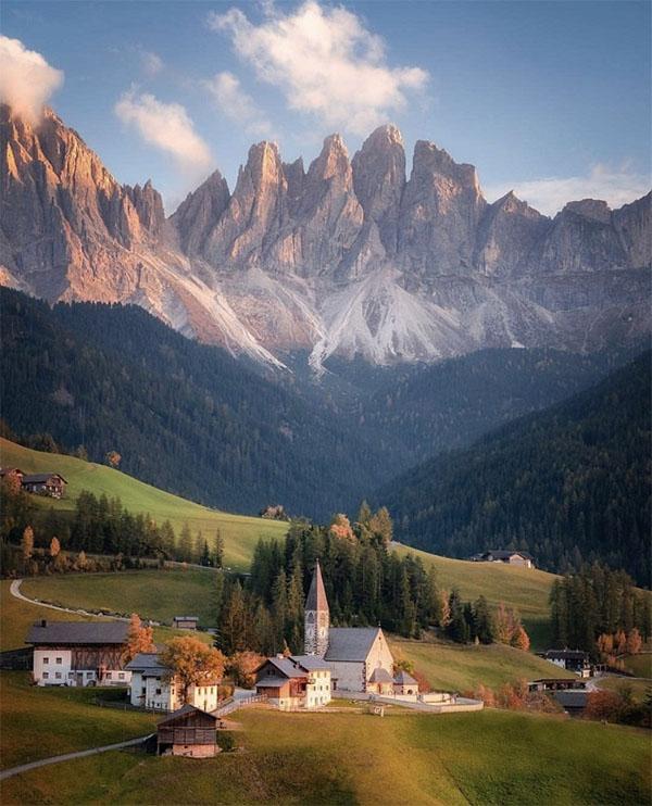 Dolomites - kiệt tác hùng vĩ vùng Đông Bắc nước Ý