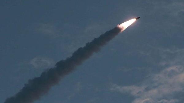 Hàn Quốc họp khẩn sau vụ phóng tên lửa đạn đạo của Triều Tiên