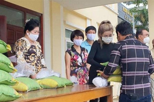 Người gốc Việt tại Campuchia 'nhường cơm sẻ áo' trong đại dịch