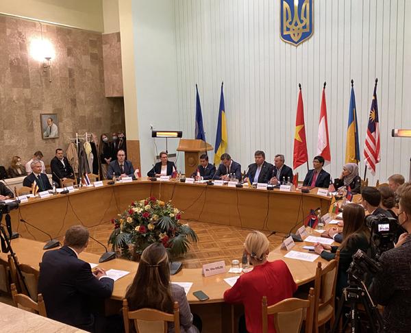 Khai trương Trung tâm Nghiên cứu các nước ASEAN tại Ucraina